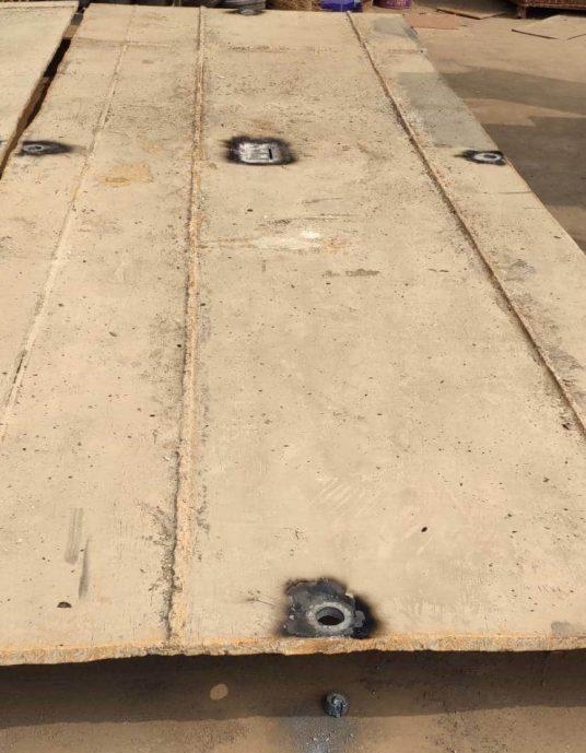 鐵板割孔2
